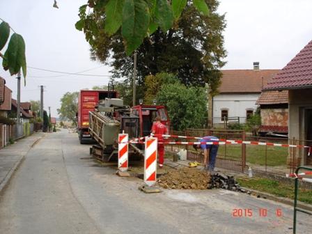 Výstavba vodovodu v obci Sobčice